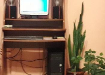 Компьютерный комплекс, стул, стол системник, сабфуфер
