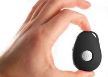 Портативный  GPS/GSM/GPRS трекер SOS продам