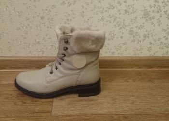 Продаю новые зимние ботинки