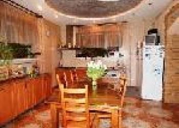 Краснодар.Продам домовладение на  15 сотках (можно под гостиницу)
