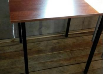 Стол обеденный,табурет,тумбы в Рязани