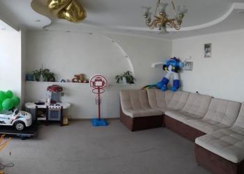 4-х комнатная квартира с современным ремонтом.