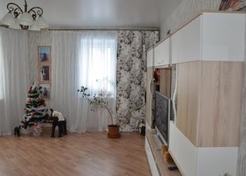 Продам просторную 2-х комнатную квартиру Михаила Годенко 6.