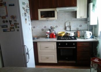 Продаю двухкомнатную квартиру в п. Ждановский