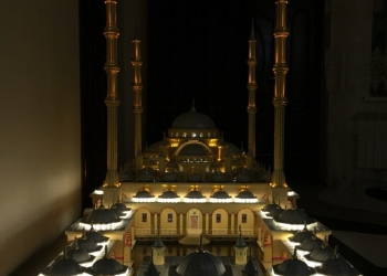 """макет мечети """"Сердце Чечни"""""""