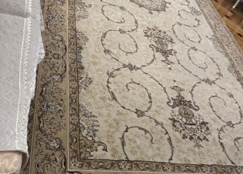 Продаётся ковёр в отличном состоянии