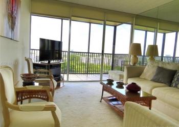Продается прекрасная двухкомнатная квартира в Майами