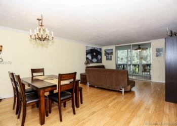 Продается прекрасная квартира на 2-ом этаже в Майами