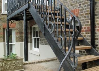 Металлические лестницы, ковка