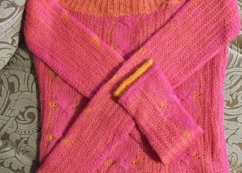 Новый двуцветный свитер