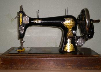 Продаю швейную машину Зингер
