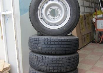 Продам шины и стальные диски на Ниву шеврале