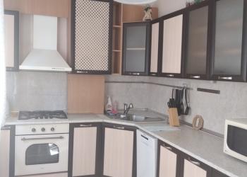 Сдам 3-к квартиру на ул. Менделеева, 110 кв.м., 2/3 эт.