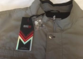 Куртка -ветровка новая