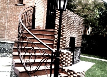 Лестницы из металла и дерева