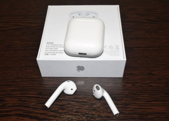 Bluetooth AIRPODS новые в упаковке!