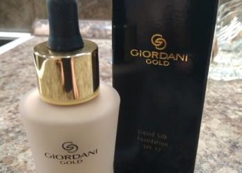 Giordani Gold Румяна в шариках и Шелковая тональная основа-флюид