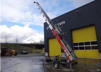 Строительный лифт Bocker для подъема стройматериалов