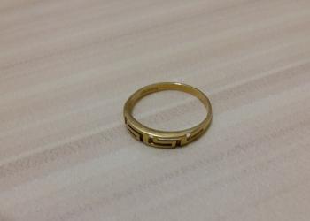 кольцо золото проба 750 вес 1,42 грамма размер 16,5