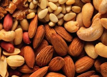 Сухофрукты,орехи,ягоды,крупы и приправи