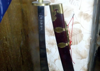 Продаю мечи в коллекцию