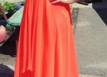 Продам вечернее платье яркого неонового цвета.