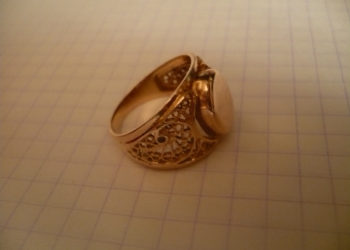 Кольцо золотое печатка женское