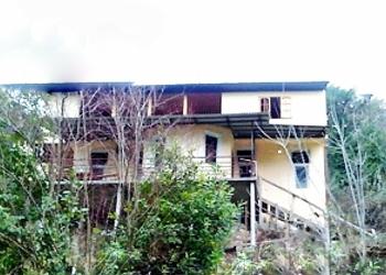 Абхазия. Гагра. Центр. Двухэтажный дом 120 кв.м. Участок 8 соток. До моря 350 м.
