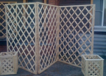 Шпалера из дерева - декоративная решетка для дач и дома.