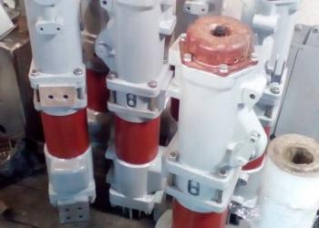 Полюс выключателя ВМП-10, ВМПП-10, ВПМ-10, ВПМП-10, ВМГ-10, ВМПЭ-10