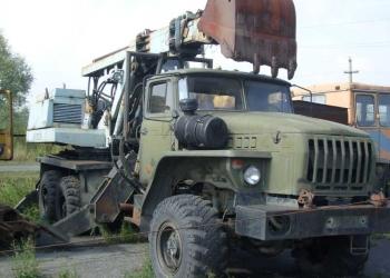 экскаватор на базе Урала