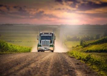 Требуются водители с грузовым авто