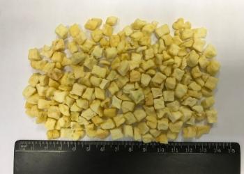 Яблоко сушеное кубик