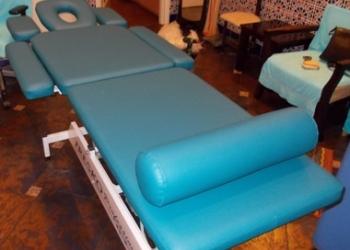 Перетяжка и ремонт массажных столов