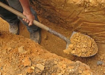 Ручная копка лопатами