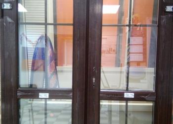 Входная метало-пластиковая дверь