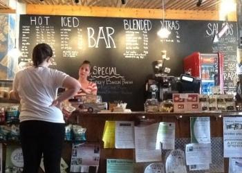 Срочно продается  бизнес, кафе на Ц.ранке Майкопа