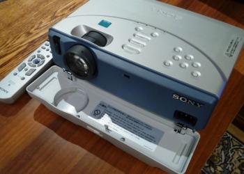 Проектор портативный Sony VPL- CS2