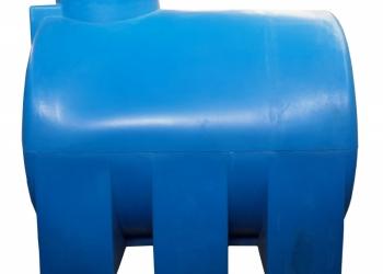 Емкости пластиковые под воду и пищевые продукты