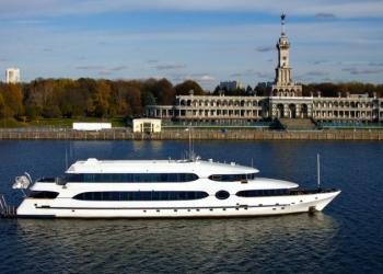 Аренда супер яхты Балу в Москве