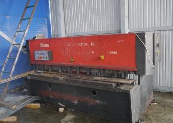 Продается гильотина гидравлическая YANGLI QC12Y-6x2500