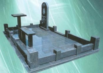 Уход за могилами,Памятники