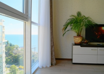 Квартира с новым ремонтом и отличным видом на море в дом бизнес-класса