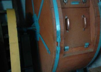 Продаю барабан откатной для меховых изделий.