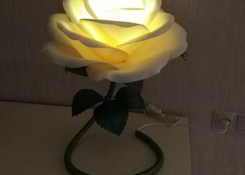 Продажа ростовых цветов . Светильники, торшеры, 3D картины.