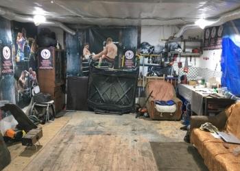 Хороший гараж в добрые руки.