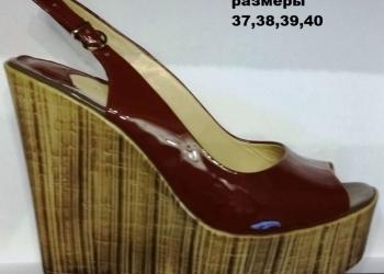 Продаю партию женской обуви