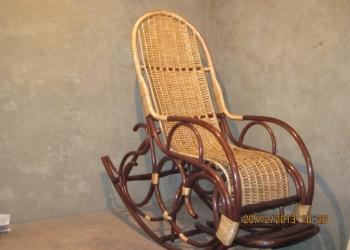 Плетеные кресла-качалки