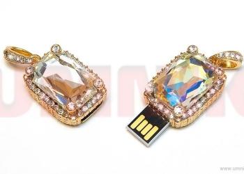 Предлагаем подарочные USB-flash, карты памяти