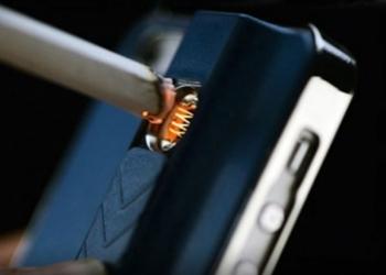 чехлы для iPhone с прикуривтелем!